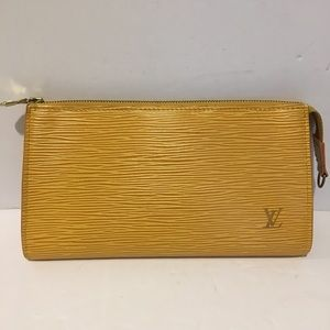 Authentic louis vuitton clutch epi leather
